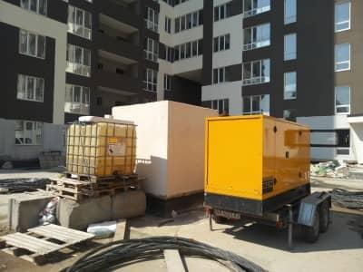 дизельная электростанция в аренду с дополнительным топливным баком